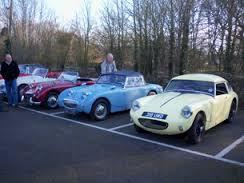 White Lion Antiques Centre Classic Car Breakfast meet